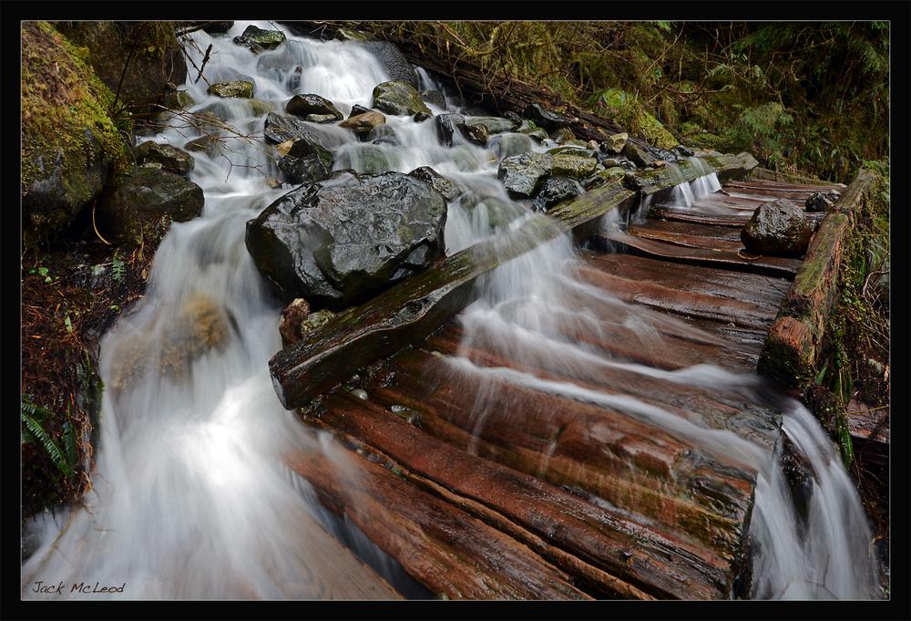 L22wateroverbridge_matte.jpg