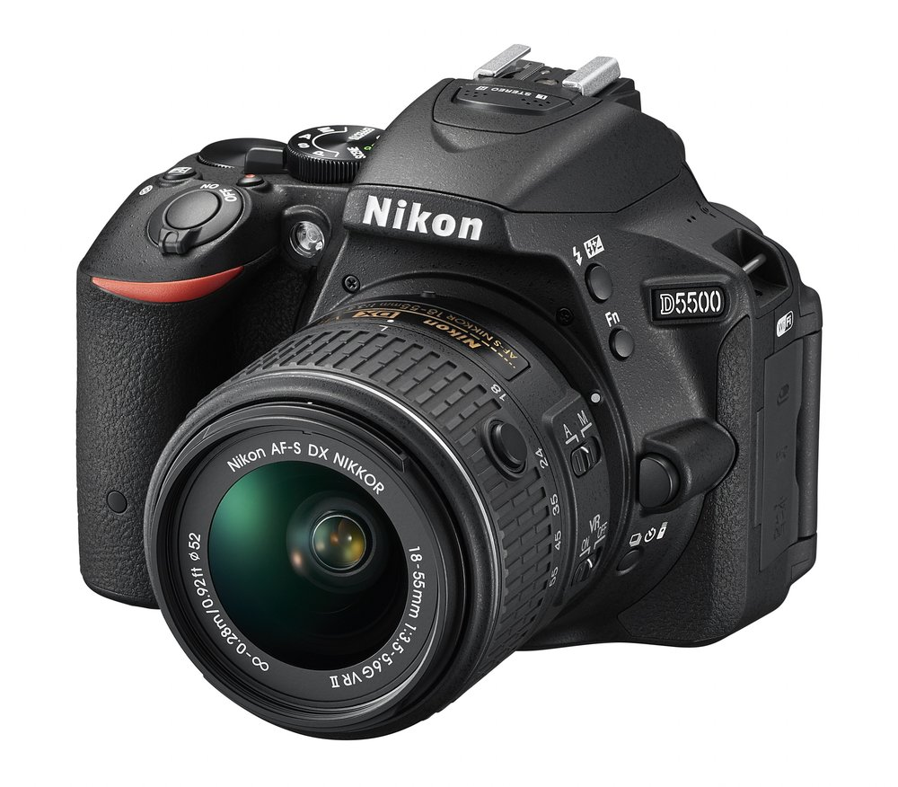 The awesome Nikon D5500 with AF-S Nikkor 18-55mm/3.5-5.6 G VR II Lens