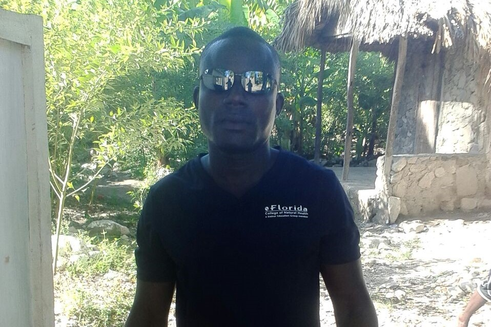 Andre Louis Pierre - FORMER ASSISTANT TO A HOUGANWants to start a motorcycle wash (needs a generator and power washerer).$350 US