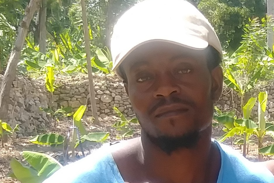 Ousann - FORMER MALEFACTORHas land and wants to plant 150 banana trees.$300 US