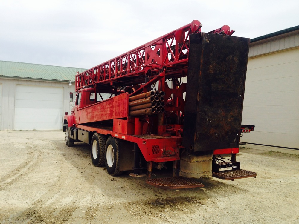 Air and Mud Rotary Tophead Drilling Rig - Ingersoll Rand TH-55