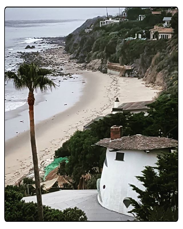Malibu __ #malibu #coastline  #oldschool  #californialiving  #californiadreamin  #christineclaytonatelier