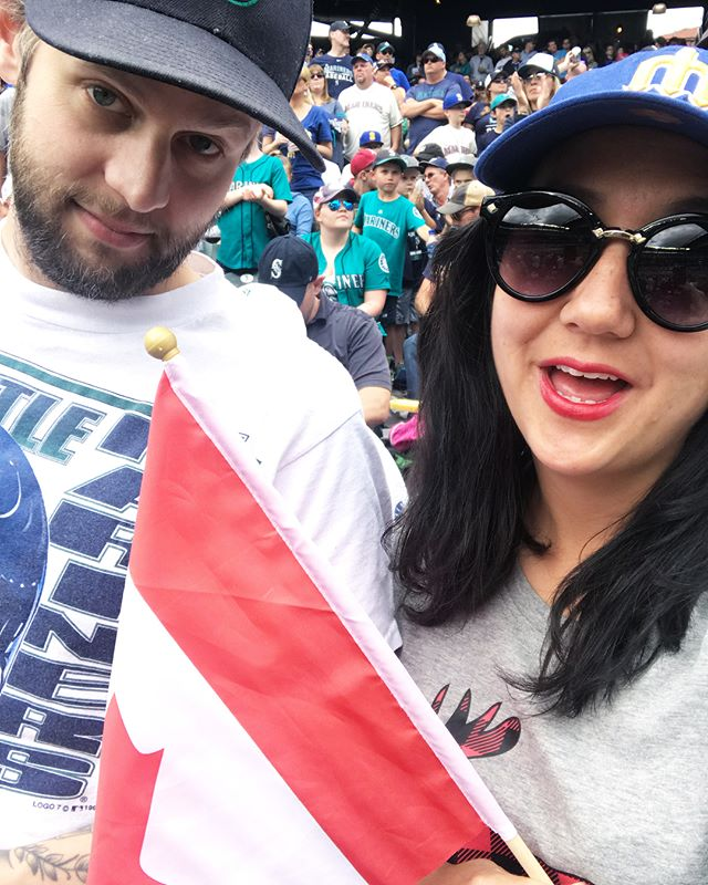 @jimpetosa didn't know it was Canada Day, how rude. Paxton pitched a 2-hit, 11 K, 2 hour beauty. I fainted. A good time was had by all! . . #bigmaple #DSS #Ladner #BC #canada🇨🇦 #paxtonbobble #seattle #mariners #jamespaxton #peopleschamp #canadaday #snackchat #🇨🇦 #🍁 #basedball #balls