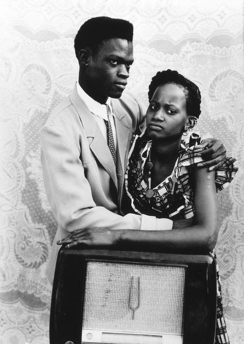 Seydou Keïta, untitled, 1949-51, courtesy Jean Pigozzi, Gallerie Du Jour agnès b