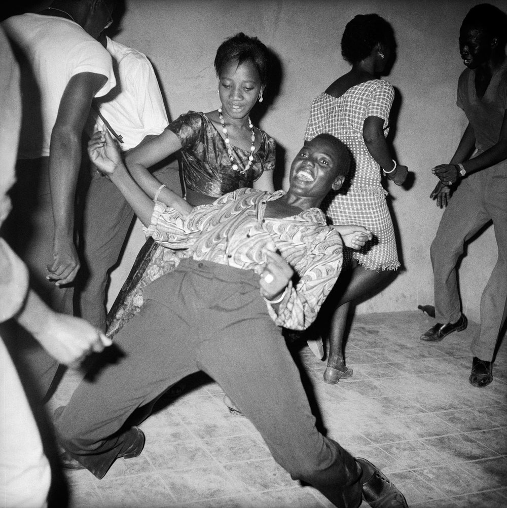 Malick Sidibé, Regardez-moi !, 1962, © Malick Sidibé, Courtesy Galerie MAGNIN-A, Paris