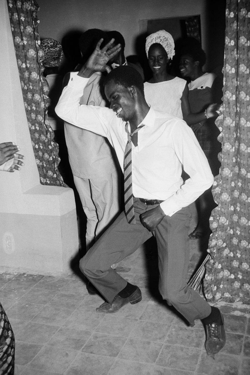 Malick Sidibé, Danseur Méringué, 1964, © Malick Sidibé, Courtesy Galerie MAGNIN-A, Paris