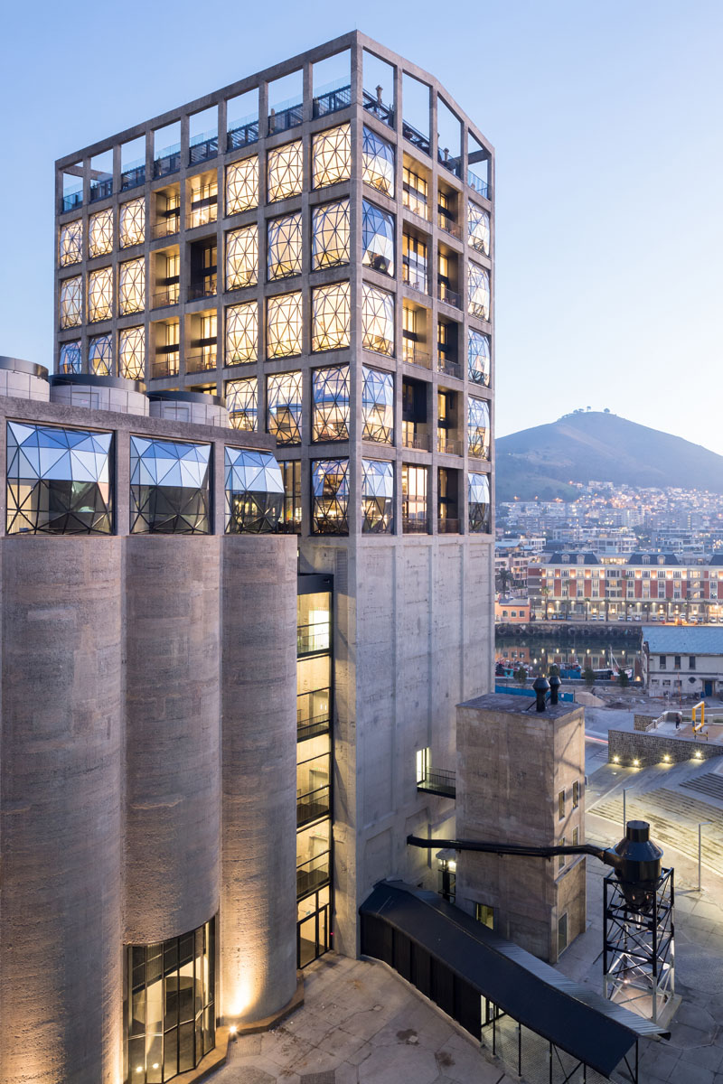 776_4__HR_ZeitzMOCAA_HeatherwickStudio_Credit_Iwan Baan_Exterior at dusk copy.jpg
