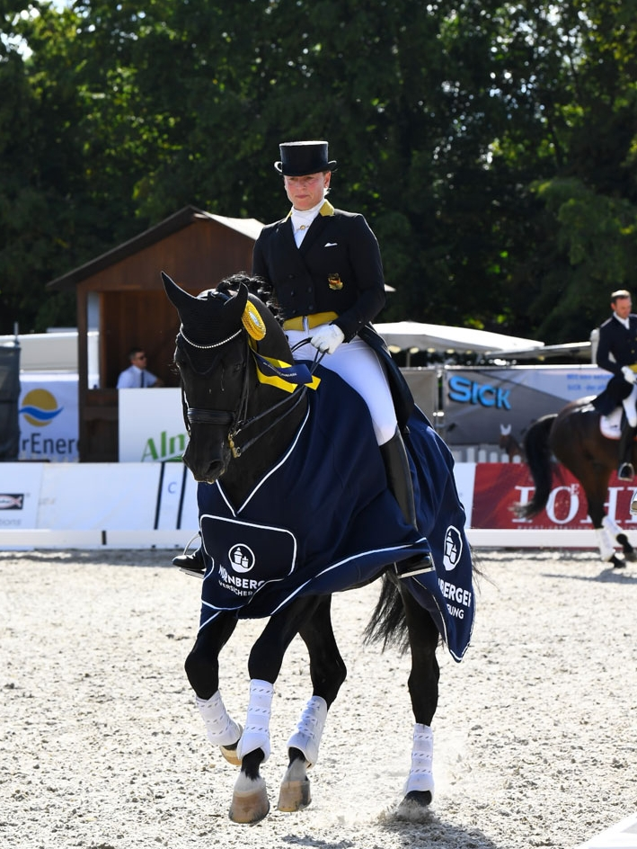 Isabell Werth with Descolari - photo credit:M. Schreiner