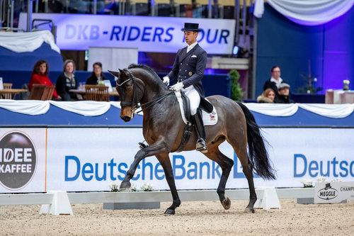 Benjamin Werndl and Famoso OLD winner of Deutschen Bank Preis, Grand Prix Special. Foto: Sportfotos-Lafrentz.de