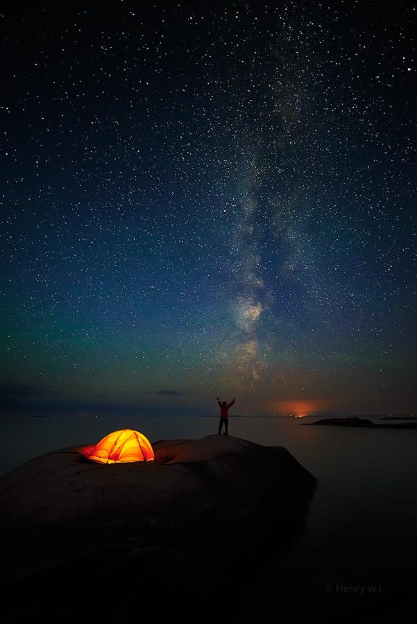 0-u-t-s-i-d-e :      Hello Milkyway   | by  Henry w. L  .