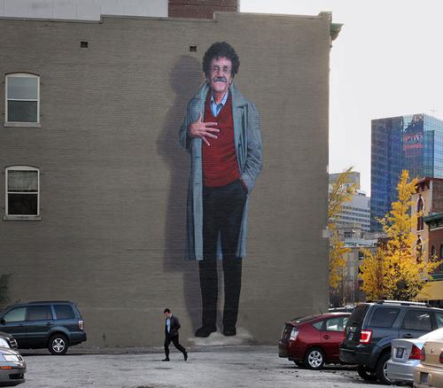 walterblakeknoblock :     Kurt Vonnegut.     Image not to scale.
