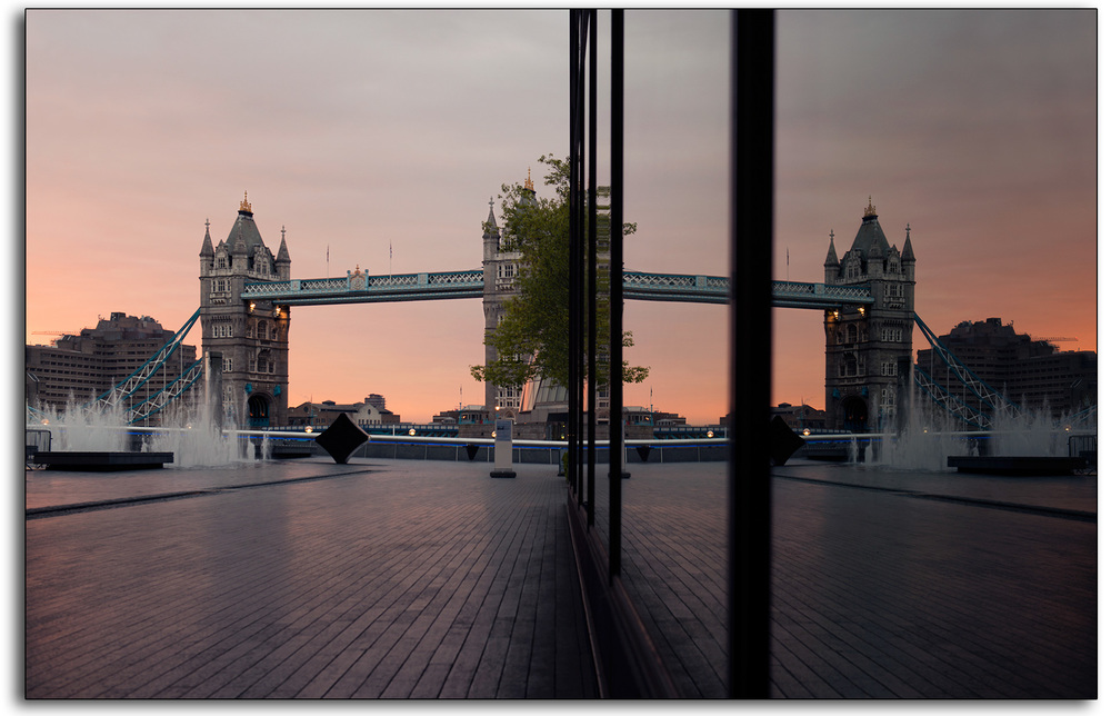 boarder 06 tower bridge morelondon dusk dawn mirror image reflection lee ramsden professional photographer www.leeramsden.com .jpg