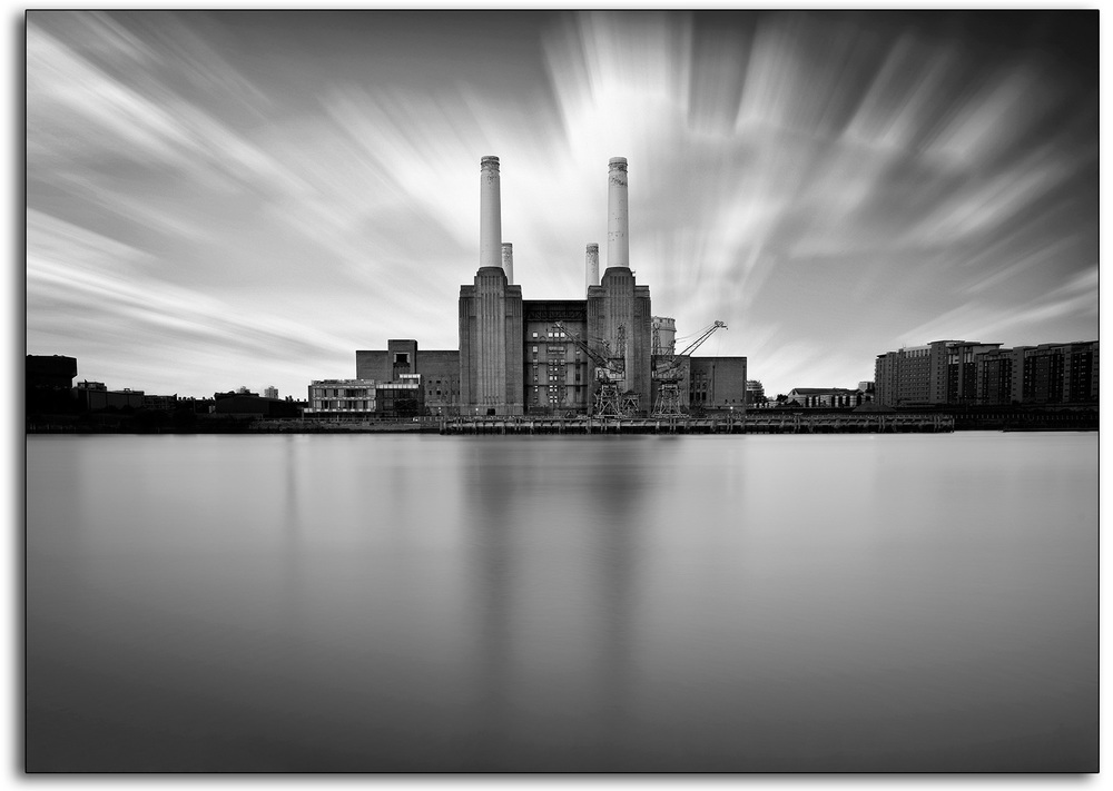 boarder 11 power station Battersea derilict black and white monochrome no colour long exposure landscape professional photographer lee ramsden london www.leeramsden.com.jpg