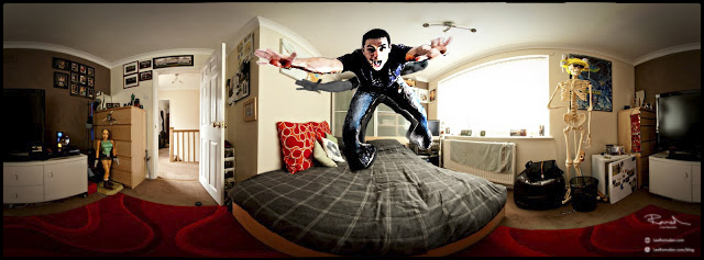 "<img src=""PTGui Pro.jpg"" alt=""Photoshop Lee Ramsden jumping out of the photo image bed room"">"