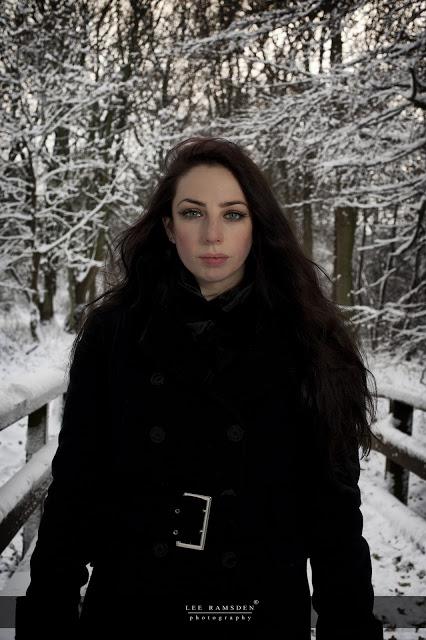 Kelly Moss Ramsden snow outdoor flash light Ashridge Berkhamsted Hertfordshire 02