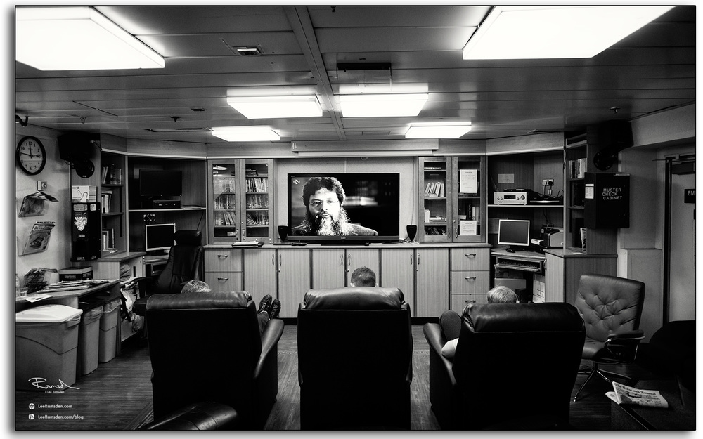 24 Auk Oil rig platform Talisman TV lounge workers watching tv