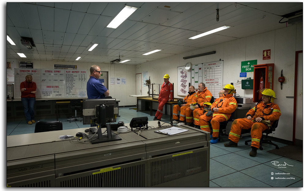 OIM, manager, oil and gas, rig, briefing, emergency response team.