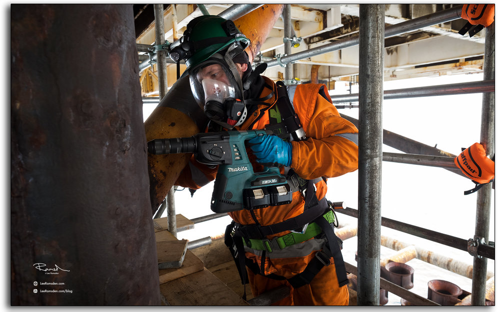 Breaking containment, drilling, gas testing, breathing aparatus, BA, RPE, safety equipment, industrial, Photography, Lee Ramsden, Offshore, north sea, oil and gas industry