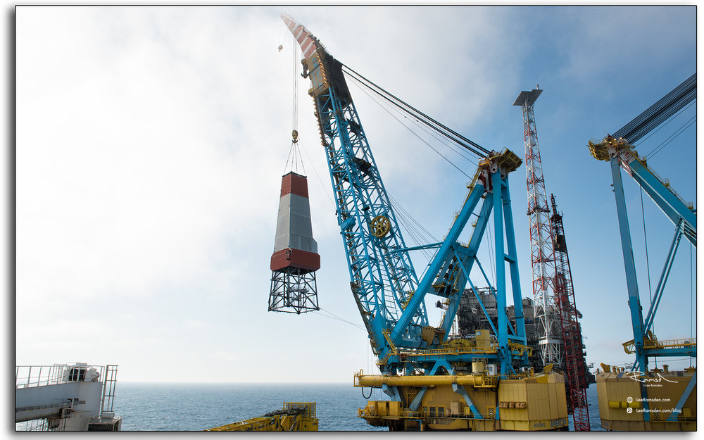 Derrick, remove, lifted with the Saipem 7000, crane, offshore in the north sea
