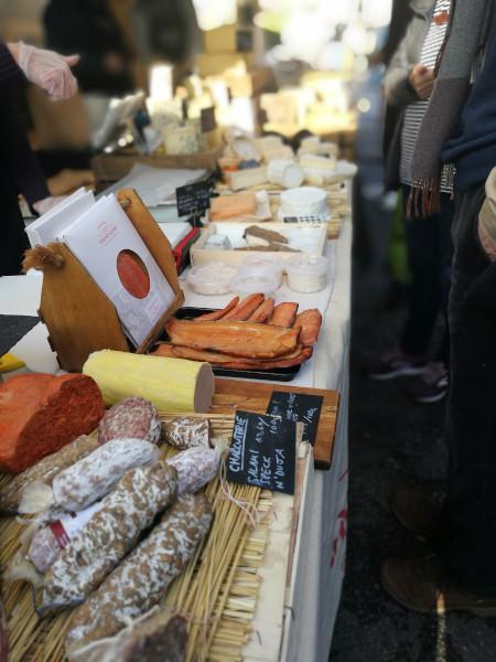 market_scene.jpg