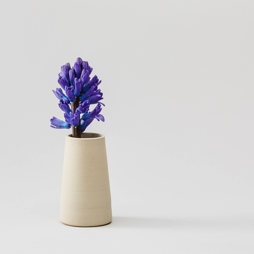Jono Smart Single Stem 'Centre'  Vase, £18
