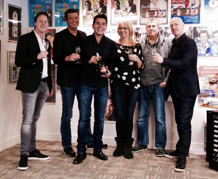 fltr: Jitze de Raaff, Aloys Buys, Jan Smit, Alice Buys, Jaap Buys, André de Raaff