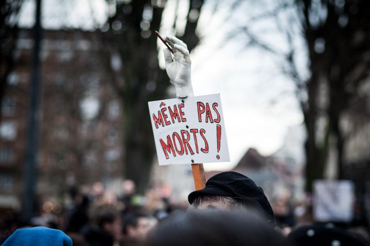 Reportage sur la manifestation de soutien national, suite à l'attentat perpétré à Paris dans la rédaction de Charlie Hebdo.  Lille, 10 janvier 2015. 40 000 personnes. Publié sur le site de dailynord.fr