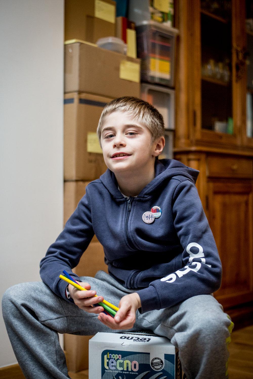 Victor Delezenne,10 ans, écolier à Ronchin (59). Il a contribué à monter une association solidaire qui redistribue des fournitures scolaires aux enfants qui en ont besoin.  Portait publié dans le magazine Ebdo - jan. 2018