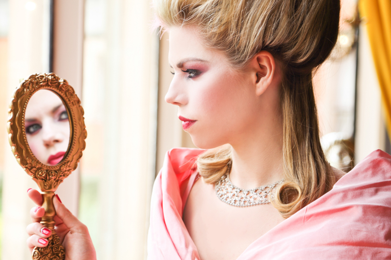 Our golden hand mirrors are a perfect way to check your makeup throughout the day they are also perfect to be captured in your photography