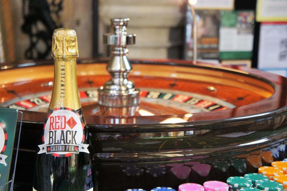 Red Black Casino Fun