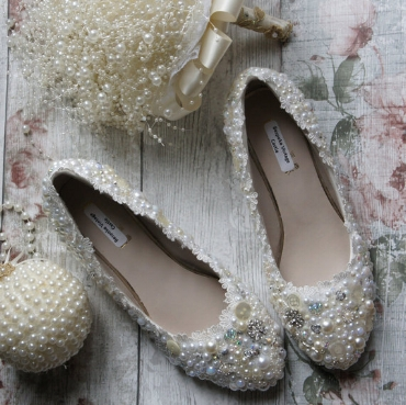 Yes of course your Wedding shoes must match your Pearly Bouquet!