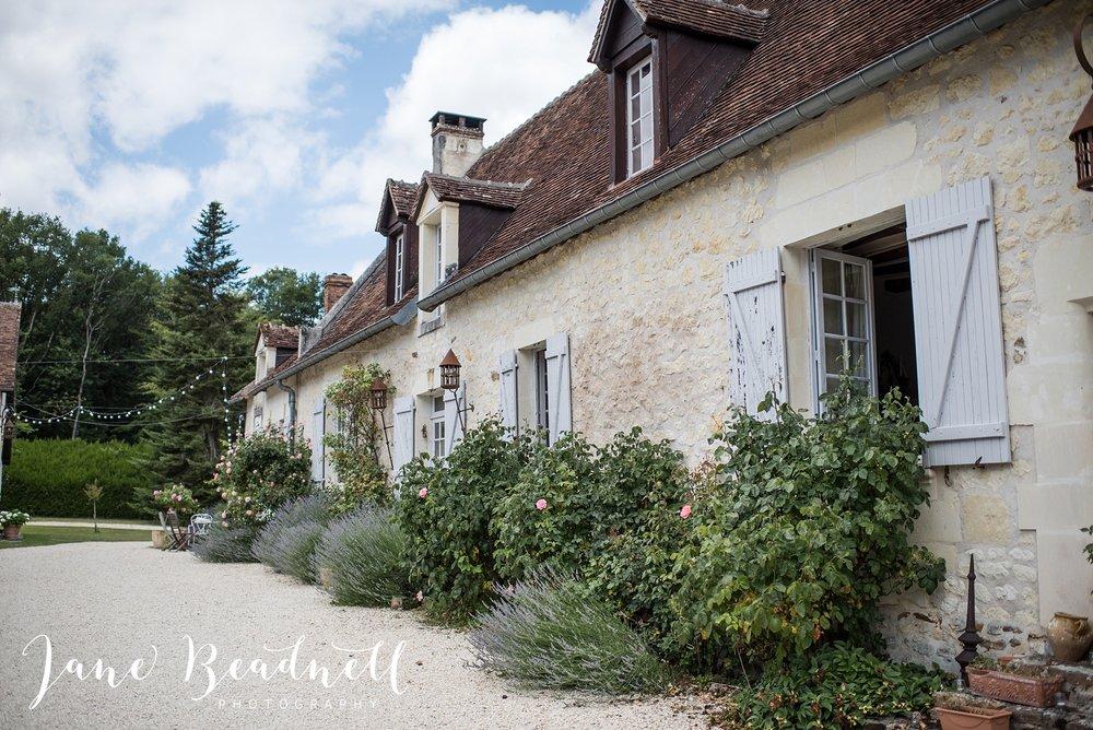Manoir-de-la-Foulquetière-France-Wedding-Photography-by-UK-Destination-wedding-photographer-Jane-Beadnell-_0003.jpg