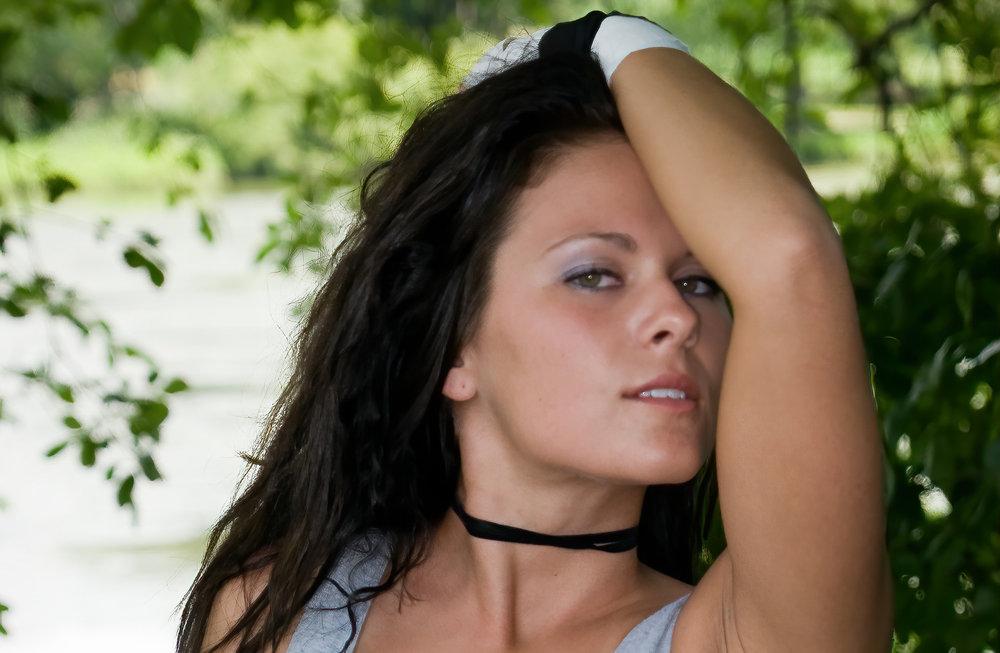 model dark hair855365232_d4cf2ec4a4_o-stabilize.jpg