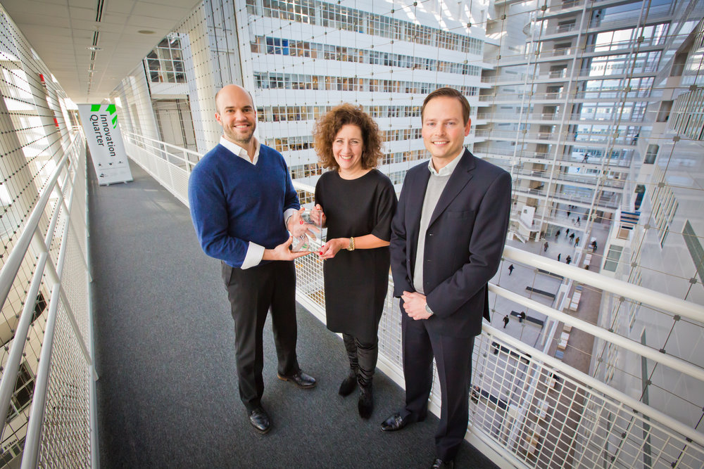 As a warm welcome Ingrid van Engelshoven, Deputy Mayor of The Hague, handed a special plaque to Rob Sutter and Josh Petras Red Tulip Systems.