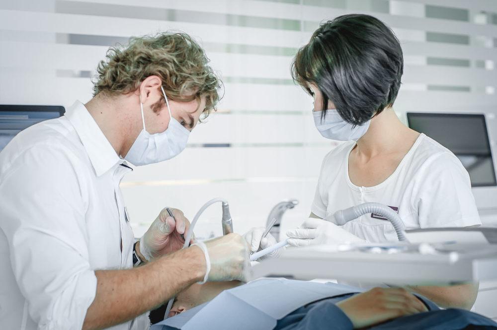 Orthodontics-Lakeside-Kieferortho-Waedenswil-Zurich-Braces-Invisalign-Dental-Office-Dr-Med-Dentist-English-Treatment-3171.jpg