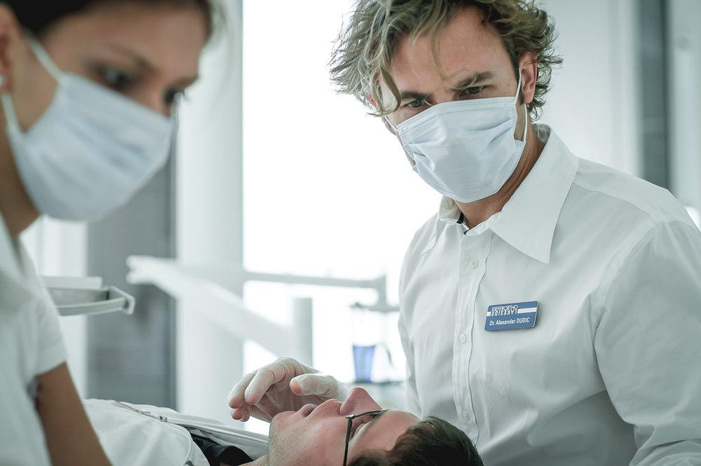Orthodontics-Lakeside-Kieferortho-Waedenswil-Zurich-Braces-Invisalign-Lingual-Dental-Office-Dr-Med-Dentist-English-Treatment-3.jpg