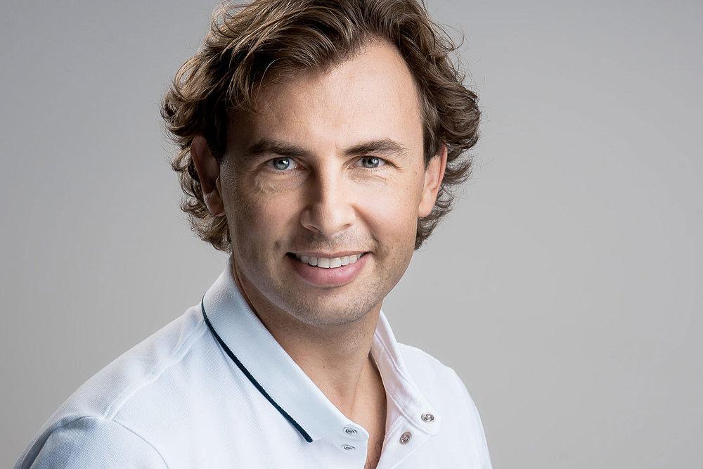Dr. med. dent. Alexander Dudic, Kieferorthopäde und Gründer von LAKESIDE KIEFERORTHO in Wädenswil bei Zürich