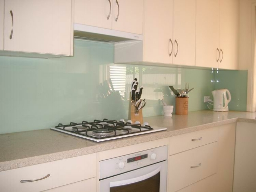 Glass splashbacks -