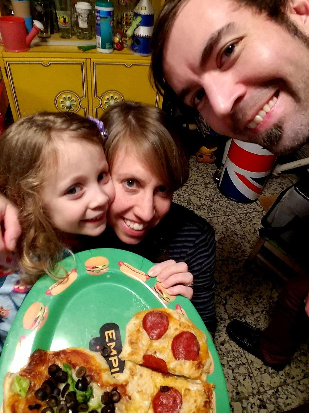 Hannah,Lisa & Joe.jpg