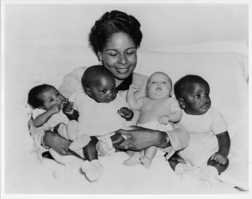 1952_Jackie_Robinson & babies.jpg