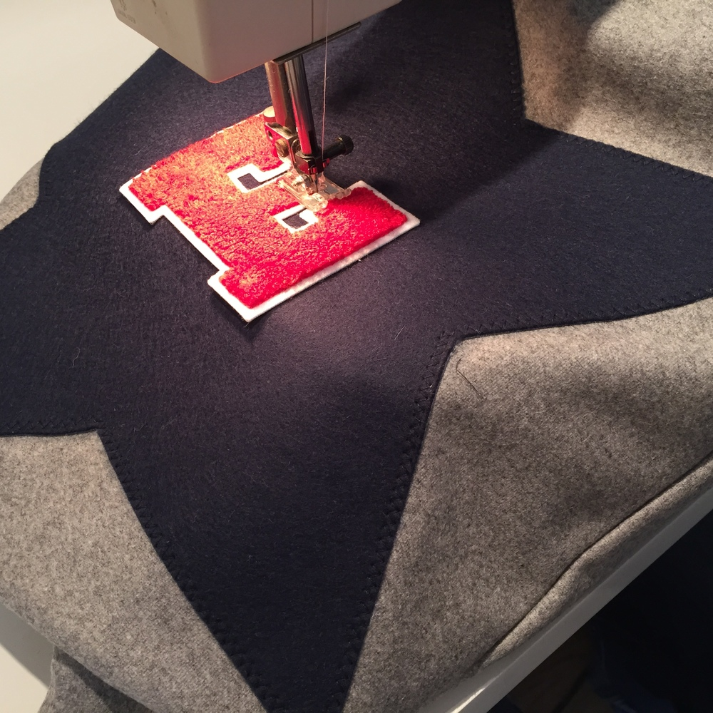 Sewing a Varsity Cushion made of 100% Lambswool British Melton