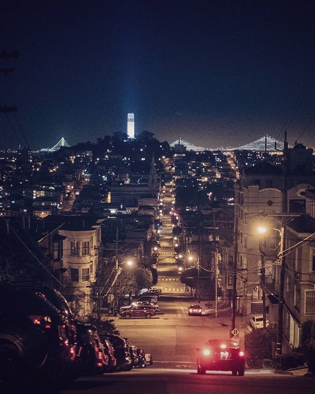 Around every corner is a view to behold!  #sanfrancisco #sf #streets #night #cityscape #tlpicks #stellerstories #thecreatorclass #icapturedaily