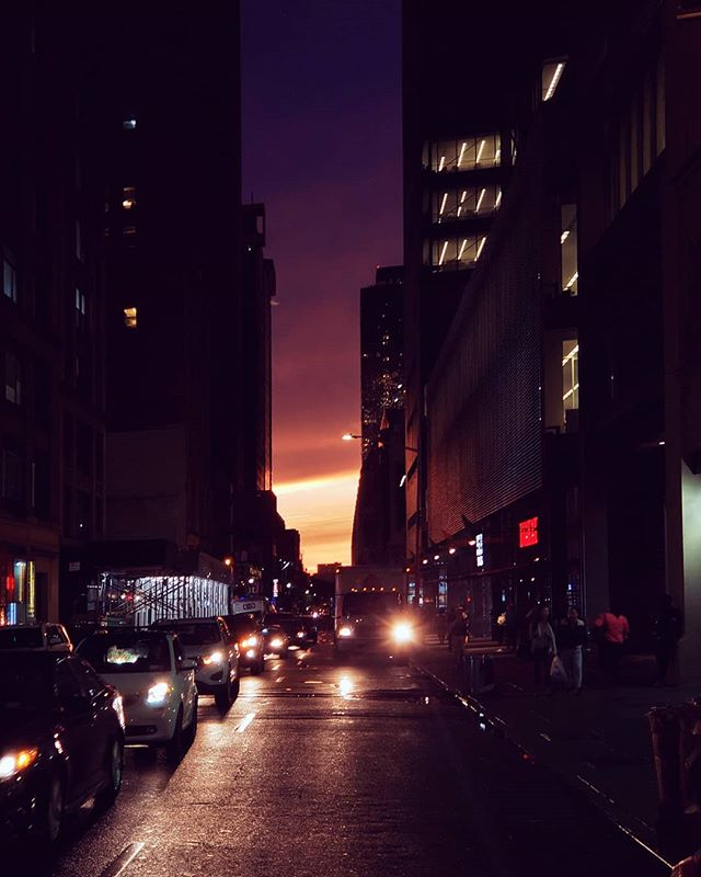 After the rain  #nyc #newyork #sunset #midtown #twilight #traffic #tlpicks #stellerstories #thecreatorclass #icapturedaily #passionpassport #igtravel #natgeotravel