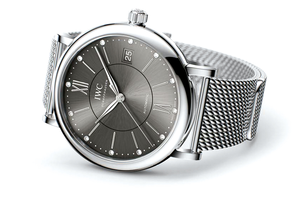 In the new 37 mm version. IWC Schaffhausen's silent star is more attractive to watch lovers with a slimmer wrist.