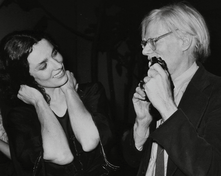 Andy Warhol and Margaret Trudeau. © Richard Corkery /NewYork Daily News.