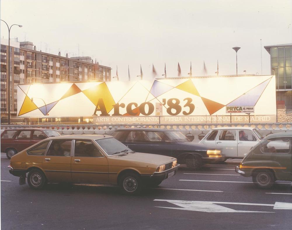 AR83-109.jpg