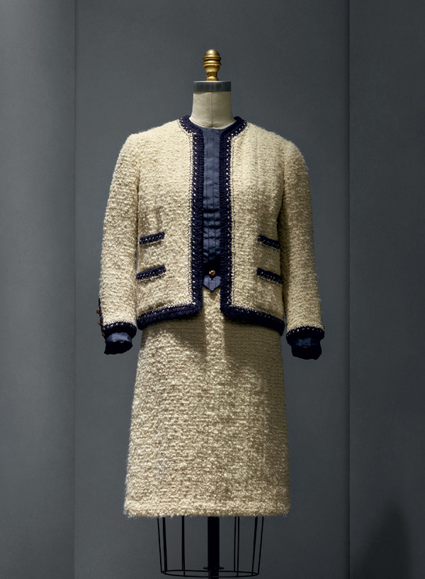 """Gabrielle """"Coco"""" Chanel (French, 1883–1971)   Suit,1963–68 haute couture French Wool, silk, metal The Metropolitan Museum of Art, New York, Gift of Mrs. Lyn Revson, 1975 (1975.53.7a–e) Photo © Nicholas Alan Cope"""