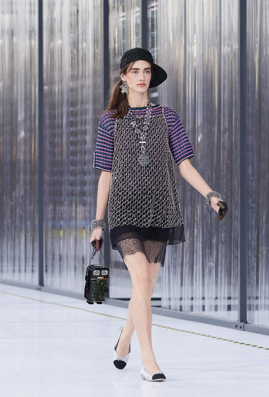 17S56.jpg.fashionImg.look-sheet.veryhi.jpg