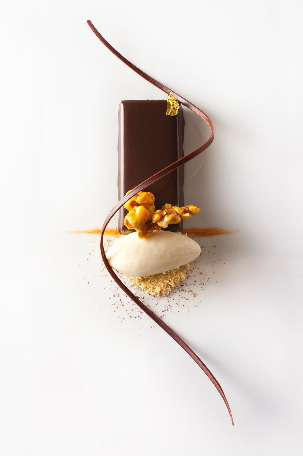Chocolate Palette with Peanuts and Popcorn Ice Cream © Francesco Tonelli.