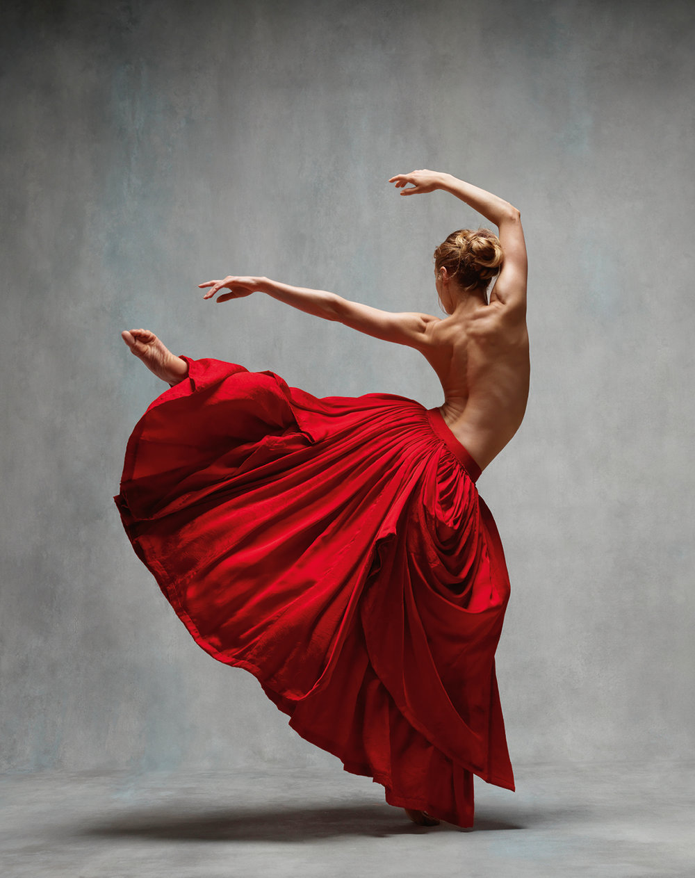 Ashley Ellis © Ken Browar and Deborah Ory · www.nycdanceproject.com.